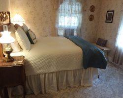 Lynn Marie bedroom